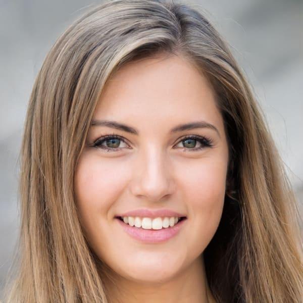 Pretty woman headshot of a Spiritualist Psychic