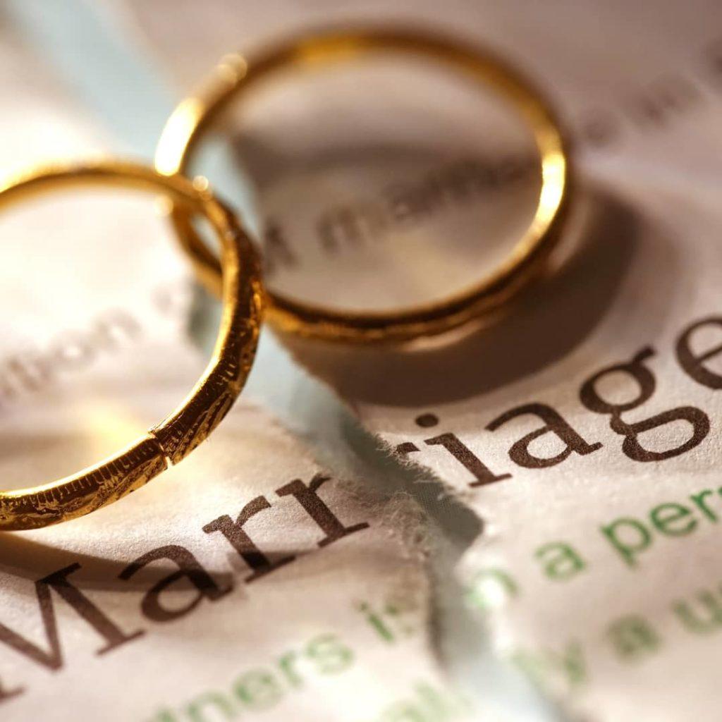 two weddings rings