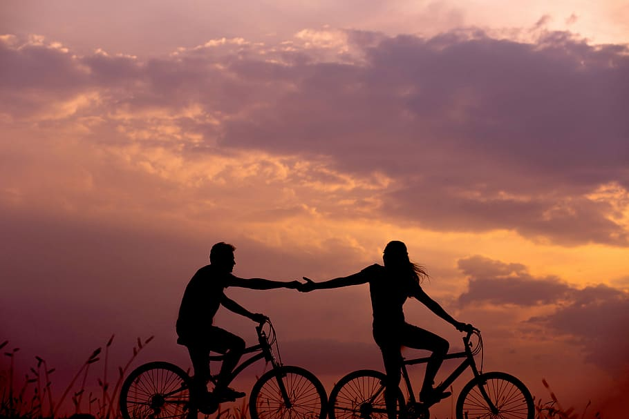 aquarius woman and virgo man: couple cycling together