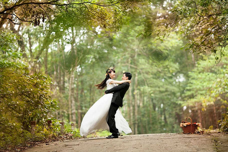couple hugging after marriage. destiny with love, twin flame readers, psychic-love-reading, phone psychic readers: